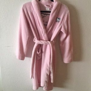 light pink Hello Kitty fuzzy robe, kids XL